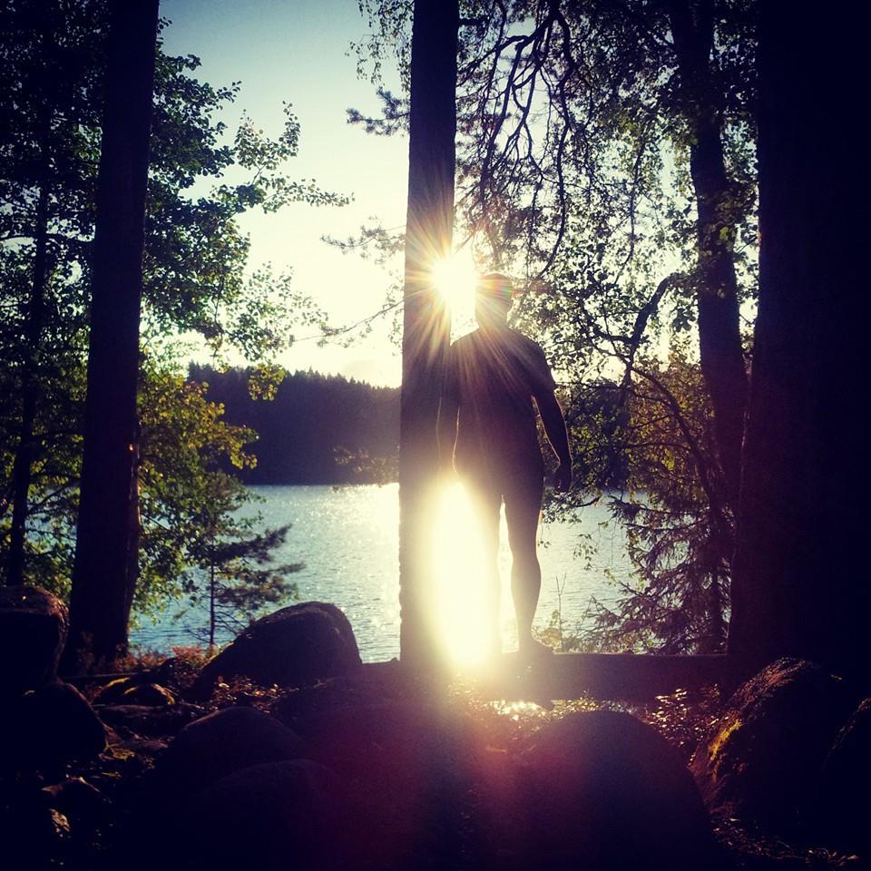 Photo prise au smartphone lors du course pied nu dans les forêts finlandaise avec Nicolas du blog Laponico
