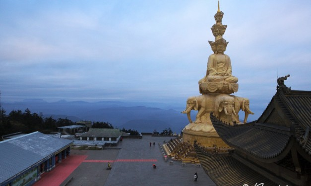 Les 60 000 marches du Mont Emei en Chine