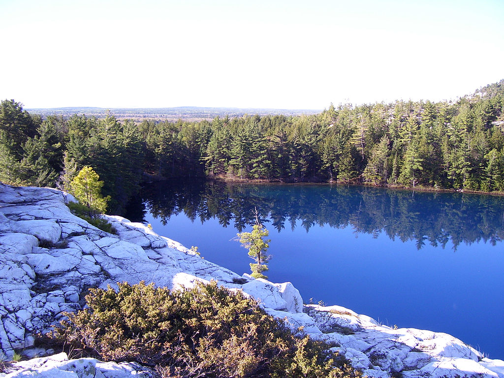 Killarney_Ridge_Lake