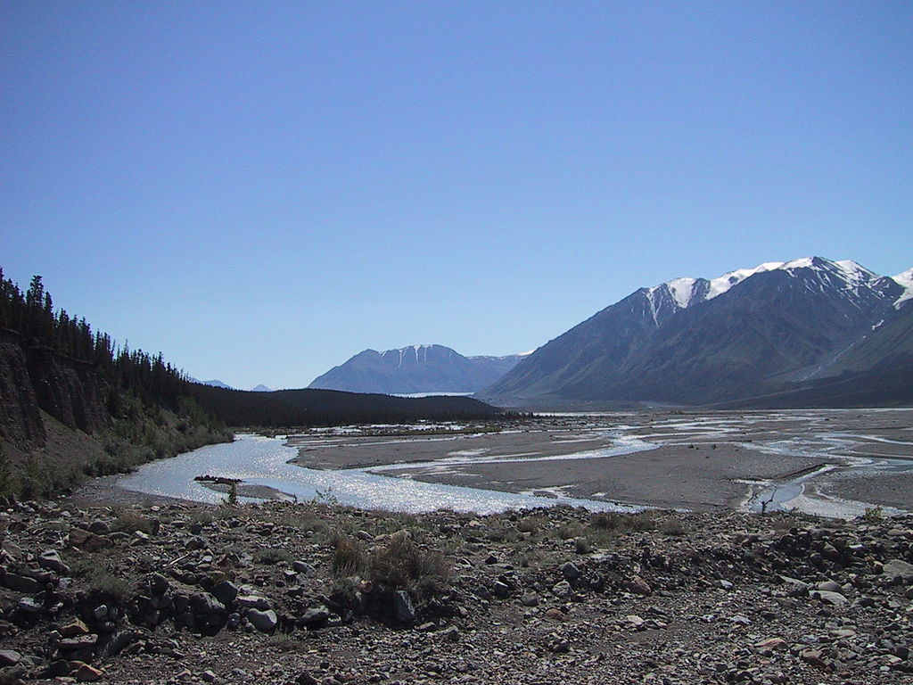 Yukon_Donjek_Valley canada