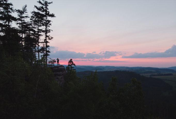 coucher de soleil sur broumov